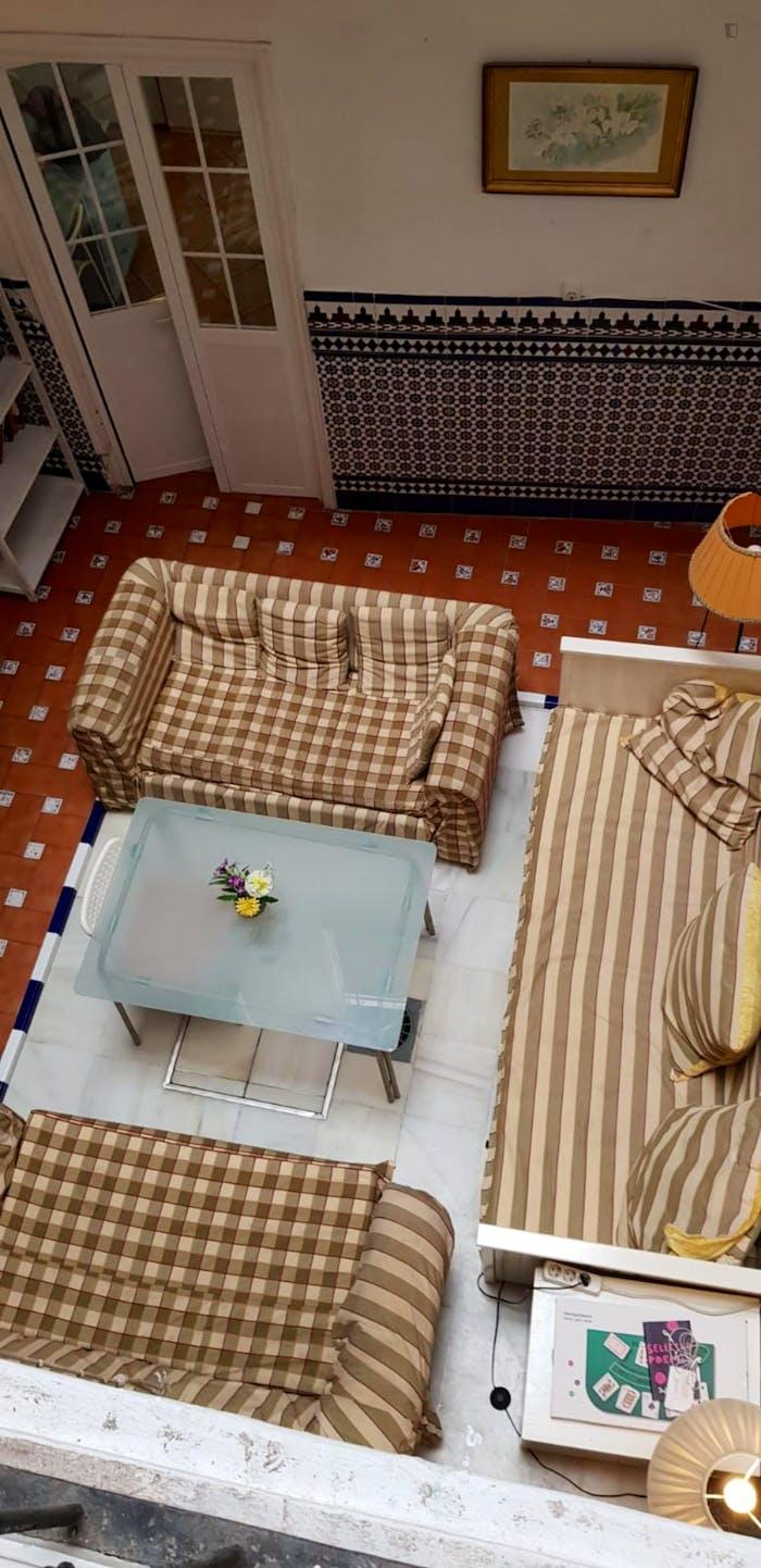 Very cosy double bedroom in Regina  - Gallery -  7