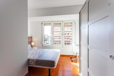Stunning double bedroom in Rascanya  - Gallery -  2