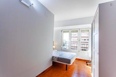 Stunning double bedroom in Rascanya  - Gallery -  3