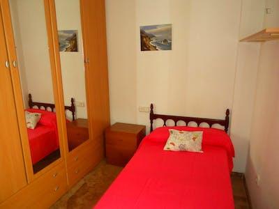 Tasteful single bedroom near Universidad de Córdoba  - Gallery -  3