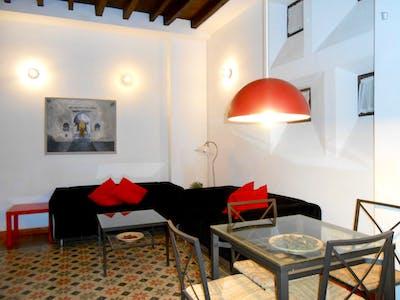 Tasteful 1-bedroom apartment in the vibrant centre of Granada  - Gallery -  1