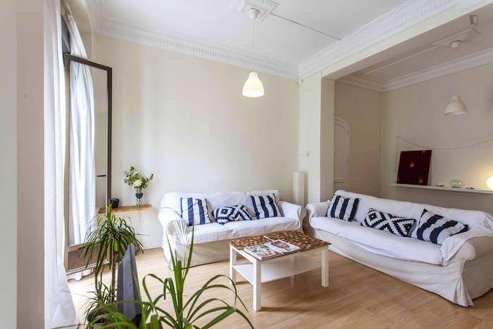 Very cool double bedroom near the Joaquín Sorolla train station  - Gallery -  6