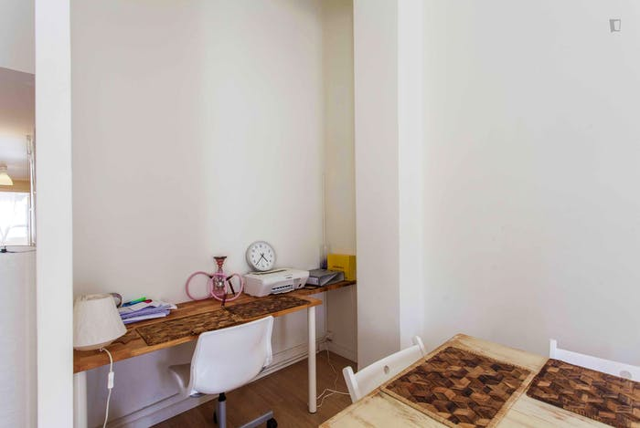 Very cool double bedroom near the Joaquín Sorolla train station  - Gallery -  9