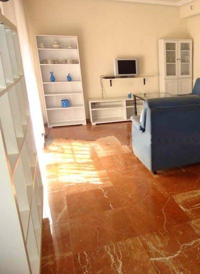 Twin bedroom in a 3-bedroom apartment  - Gallery -  3