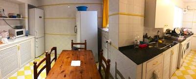 Tasteful double bedroom in the heart of Cordoba  - Gallery -  3
