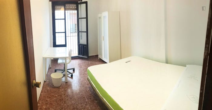Welcoming double bedroom in the centre of Cordoba  - Gallery -  1
