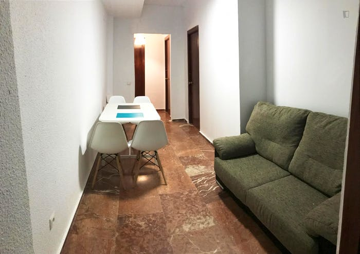 Welcoming double bedroom in the centre of Cordoba  - Gallery -  2