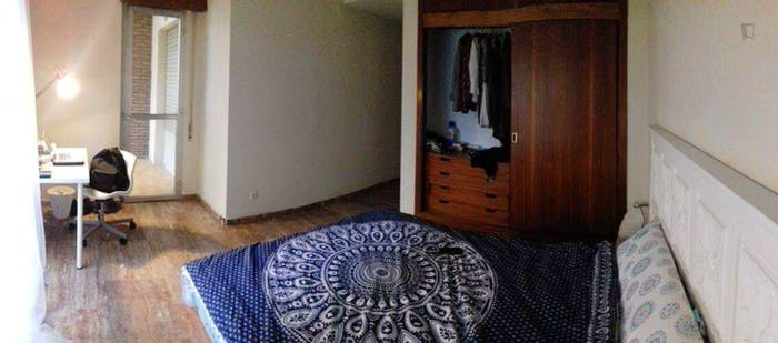 Very neat double bedroom with a balcony, in San Basílio  - Gallery -  2