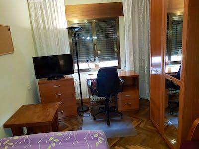 Welcoming double bedroom in Barrio del Oeste  - Gallery -  2