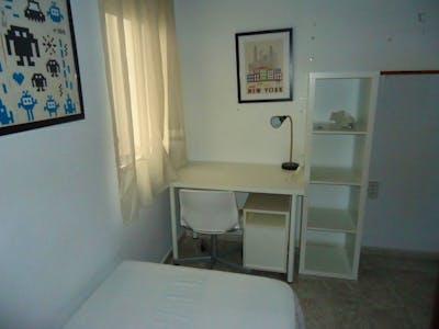 Cosy single bedroom in Cercadilla-Medina Azahara