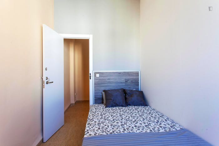 Warm and pleasant double bedroom in Extramurs  - Gallery -  2