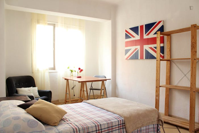 Very nice single bedroom in a 5-bedroom apartment, in Figares  - Gallery -  1