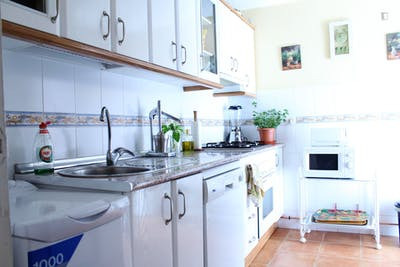 Very nice single bedroom in a 5-bedroom apartment, in Figares  - Gallery -  2
