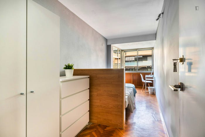 Wonderful double bedroom with a balcony, in Mestalla  - Gallery -  1