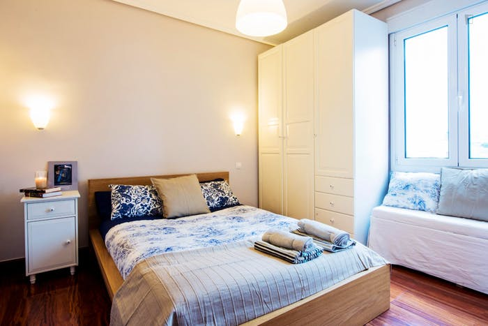 Very neat double bedroom in the Bolueta neighbourhood  - Gallery -  1