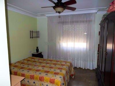 Double bedroom close to Universidad de Granada