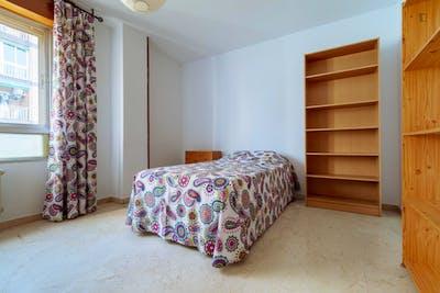Inviting single bedroom not far from Universidad de Granada - Campus de Fuentenueva