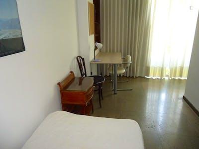 Sublime single bedroom near Jardines de la Agricultura  - Gallery -  2