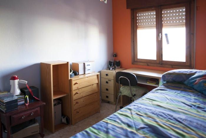 Vibrant single bedroom in a complex in Montequinto  - Gallery -  3