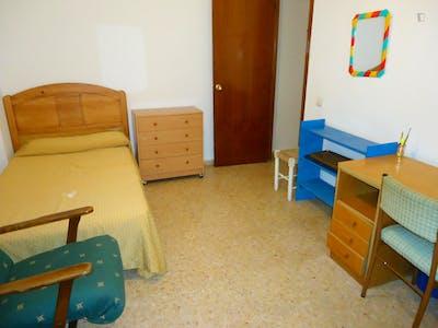 Sublime single bedroom in San Basilio  - Gallery -  2