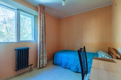 Alluring single bedroom close to Facultad de Farmacia