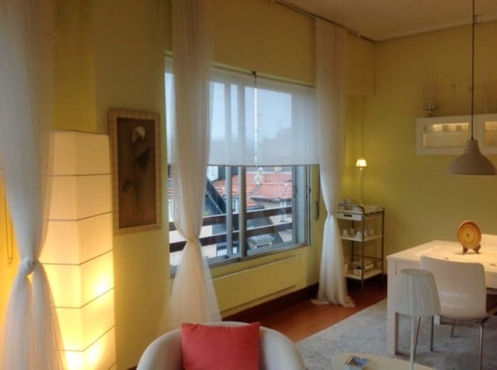 Wonderful double bedroom in a 3-bedroom apartment near Plaza de la Convivencia  - Gallery -  5