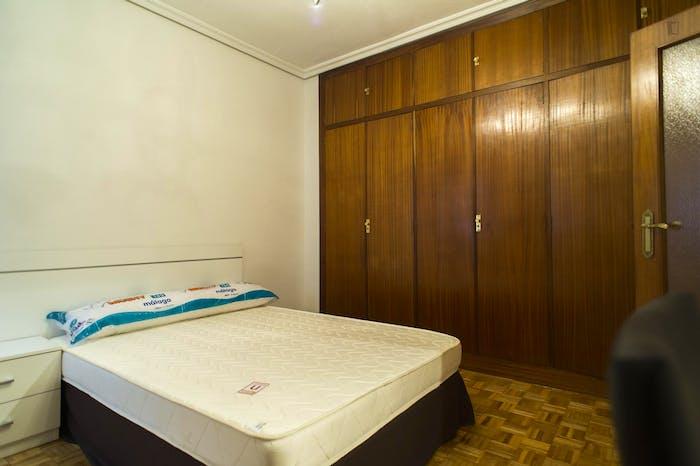 Very nice 3-bedroom apartment near Plaza del Campillo  - Gallery -  6