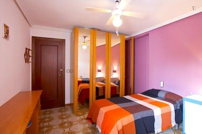Twin bedroom, close to Santa Justa station  - Gallery -  3