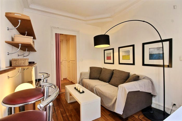 Vintage 1-bedroom apartment with a cozy fireplace in Paris, near Convention subway station  - Gallery -  5