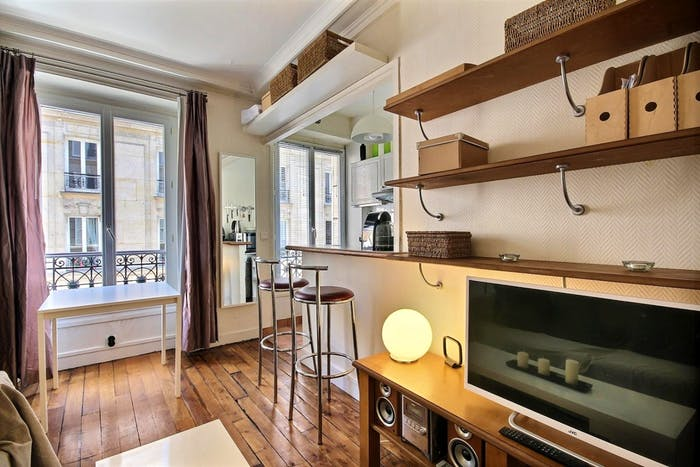 Vintage 1-bedroom apartment with a cozy fireplace in Paris, near Convention subway station  - Gallery -  8