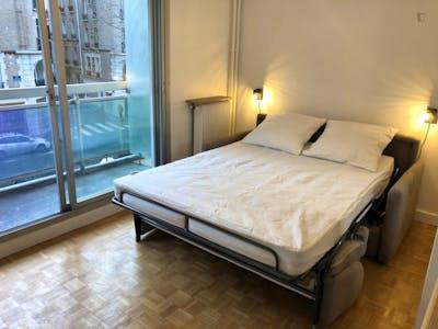 Studio apartment with balcony near Lamarck-Caulaincourt metro station  - Gallery -  1