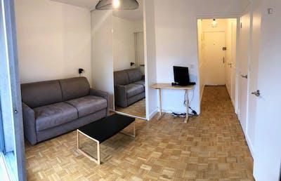 Studio apartment with balcony near Lamarck-Caulaincourt metro station  - Gallery -  2