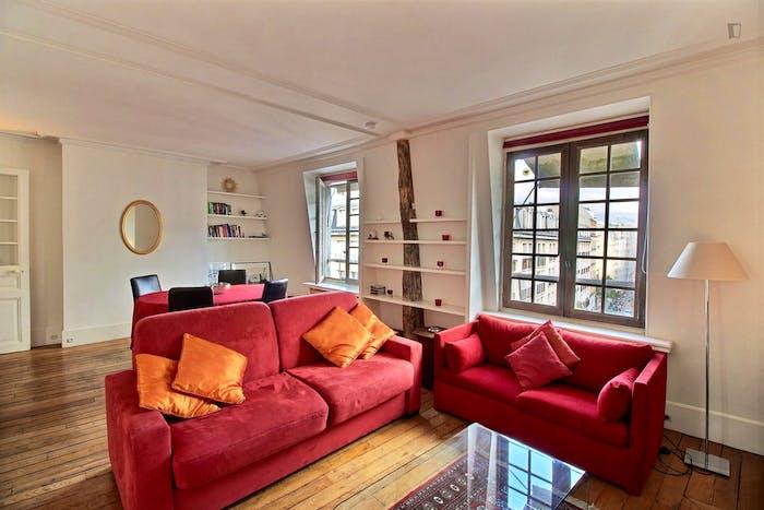 Welcoming 1-bedroom apartment near Saint-Paul metro  - Gallery -  3