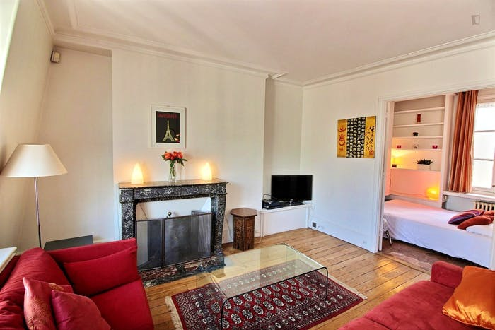 Welcoming 1-bedroom apartment near Saint-Paul metro  - Gallery -  4