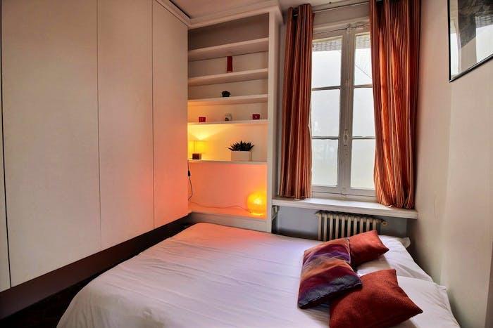 Welcoming 1-bedroom apartment near Saint-Paul metro  - Gallery -  2