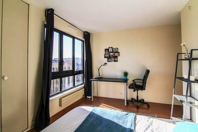 Tasteful double bedroom in Rueil Mailmaison  - Gallery -  2