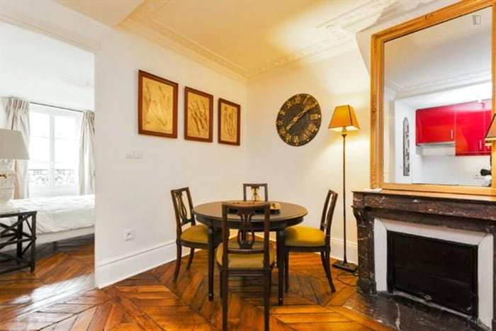Wonderful 2-bedroom apartment in Marais  - Gallery -  9