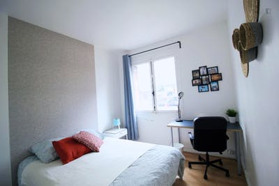Sublime double bedroom near the Félix Faure metro  - Gallery -  3