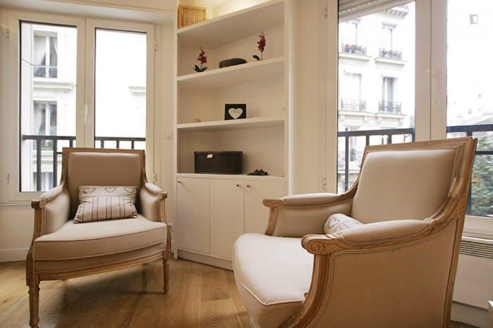 Very clean studio flat in the 16th arrondissement  - Gallery -  3