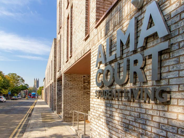 Alma Court  - Gallery -  1