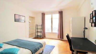 Tasteful double bedroom near Exelmans metro  - Gallery -  1