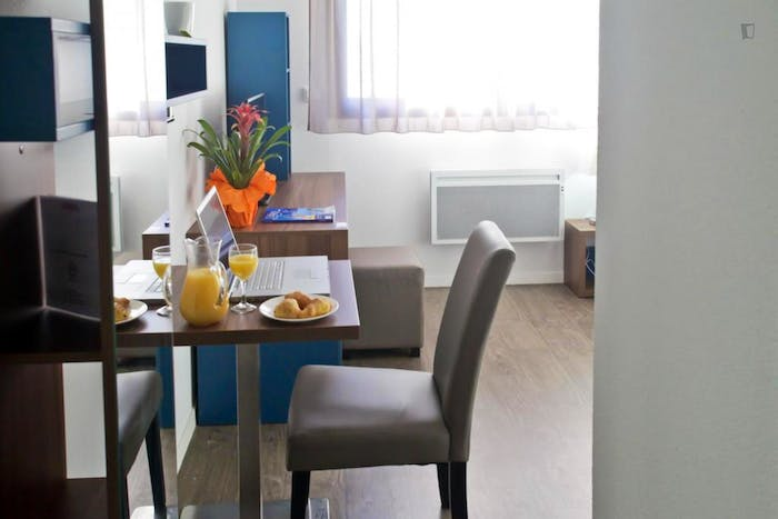 Welcoming studio in a residence, in the centre of Tours  - Gallery -  7