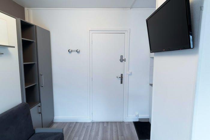 Very posh studio near the beautiful Champs-Élysées  - Gallery -  3