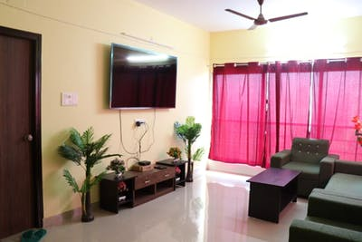 HelloWorld Crown CoLiving  - Gallery -  1
