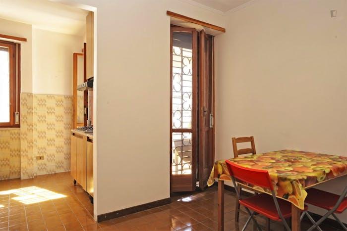 Very nice double bedroom near Riserva Naturale del Laurentino Acqua Acetosa  - Gallery -  7