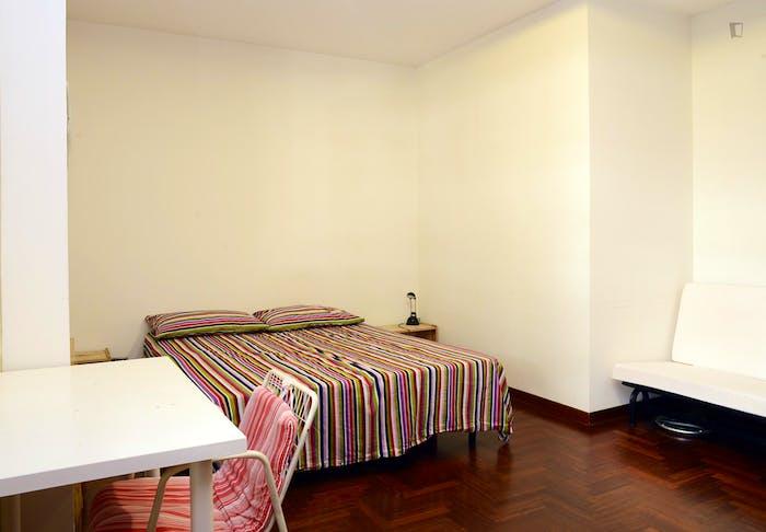 Very nice double bedroom near Riserva Naturale del Laurentino Acqua Acetosa  - Gallery -  2
