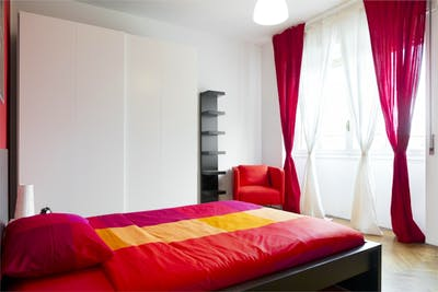Stylish double bedroom near Sondrio metro station  - Gallery -  2