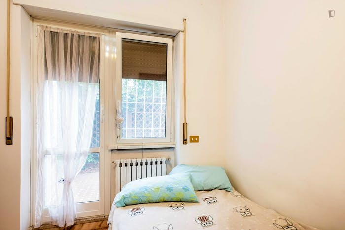 Welcoming bedroom near Gemelli train station  - Gallery -  3