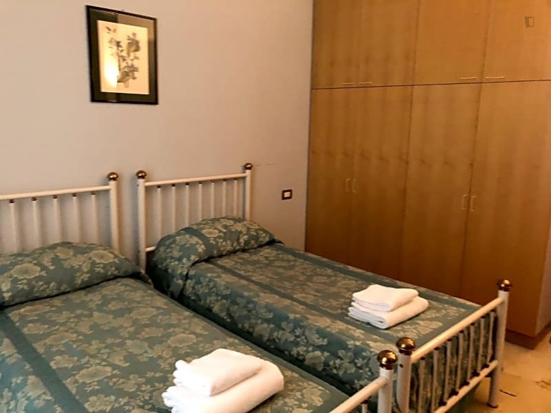 Cosy Twin Bedroom Nearby Firenze Santa Maria Novella Train Station Florence Student Accommodation