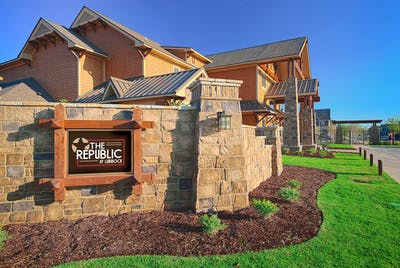 The Republic at Lubbock  - Gallery -  1